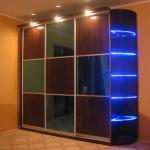Красивый шкаф купе с подсветкой фото. Профили раумплюс, дсп эггер, фурнитура блюм