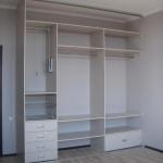 Встроенный шкаф цвета белёный дуб. Шкаф купе из дсп фото
